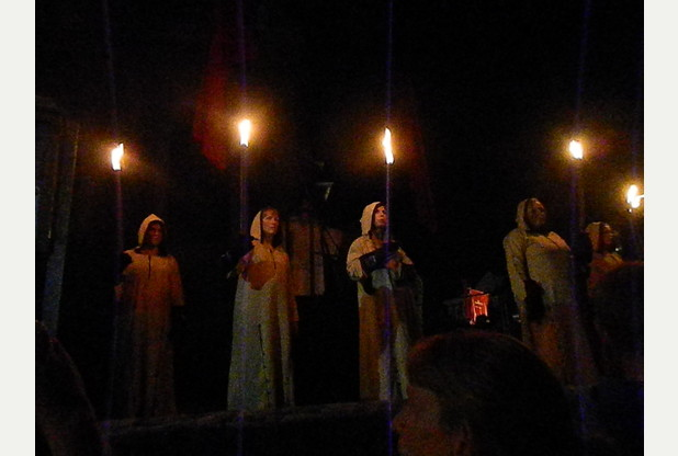 Members perform in 'The Bell'